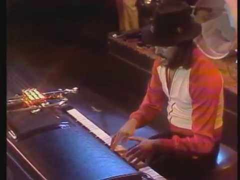 The Midnight Special 1978 - 23 - Chuck Mangione - Feels So Good