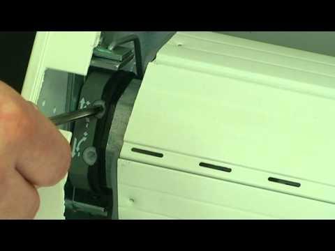 Wonderbaarlijk Leer hoe je je rolluik kunt afstellen - YouTube OZ-15