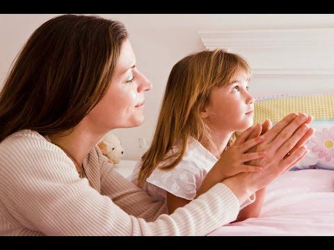 мать за детей молится фото