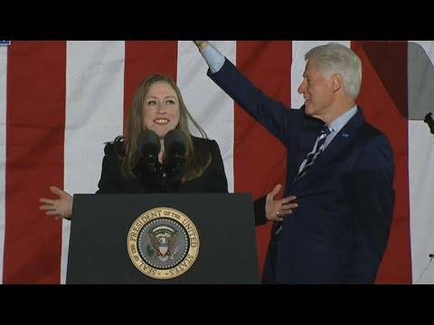 Bill and Chelsea Clinton join Hillary at Pennsylvania rally