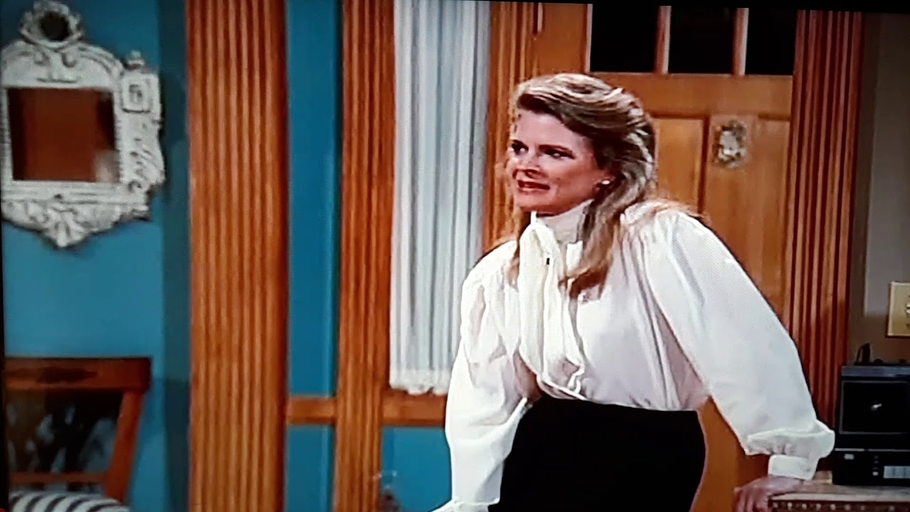 Download Murphy Brown meets Eldin for the first time