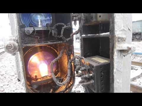 20161210 - В Сызрани бетономешалка сломала шлагбаум на железнодорожном переезде