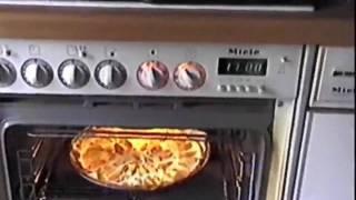 Apfelwähe (open-faced Tart [br.]; Open-faced Pie [am.] )