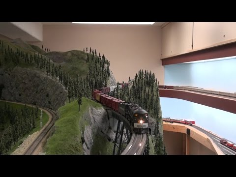 Southern Pacific in the Cascades - Three Cabforwards