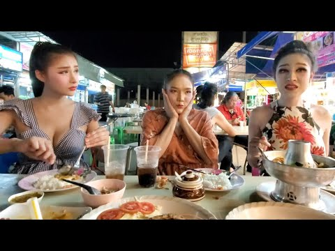 🇹🇭 Beautiful THAI LADYBOY SHOWGIRLS: Table for SEVEN, please! 🥢Let's EAT 🐠