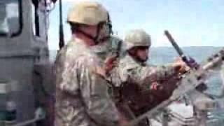 機関銃で遊ぶアホな米兵 thumbnail