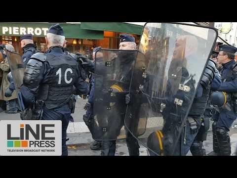 Manifestation identitaire interdite dispersée par la police / Paris - France 25 novembre 2017