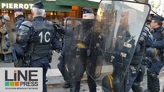 Manifestation identitaire interdite dispersée par la police / Paris - France 25 novembre 2017
