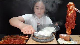 실비김치먹방:) 갓 지~~은 돌솥밥에 실비김치 실비파김치 통스팸 계란후라이 먹방 당연히 숭늉까지 ♥ hot pot rice & spicy kimchi mukbang