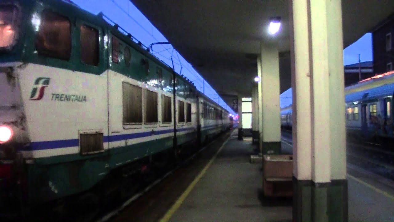 Inv e656 052 carrozze intercity intercity plus e cuccette youtube - Trenitalia vagone letto ...