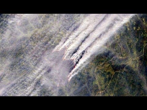 Лесные пожары в Сибири. Россия из космоса. Снимок спутника ESA Sentinel-2A.