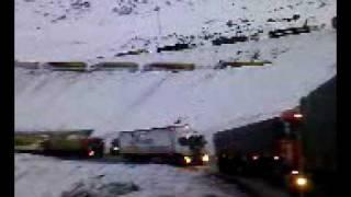 camiones en la cordillera 1