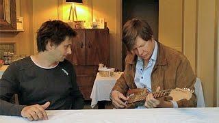 Thurston Moore Gets His Yuri Landman / Premier Guitar DIY Drone Guitar