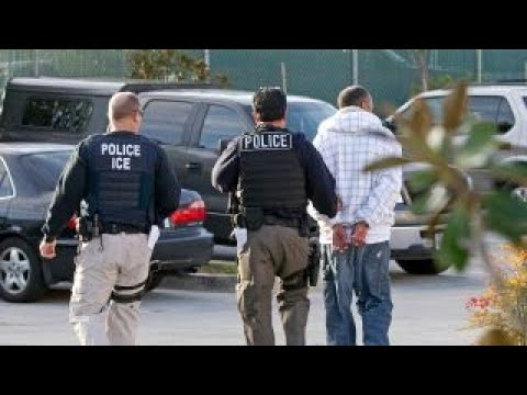 Oakland mayor under fire for warning of ICE raids