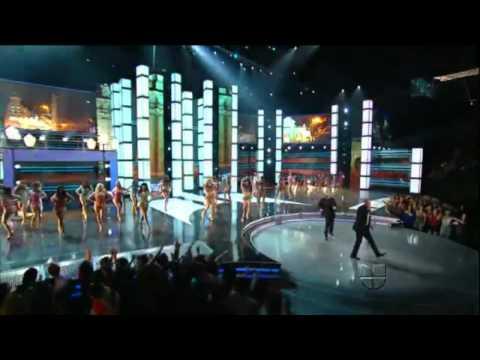 Pitbull feat  Juan Magan , El Cata - Bailando por el mundo (live)