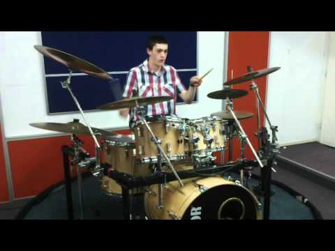 """Benjy Kahn Plays a Drum Cover of """"Hashem Melech"""" by Gad Elbaz at Live2Drum"""