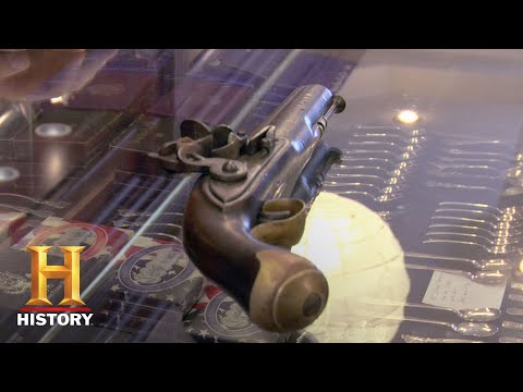 Pawn Stars: Seller Fumes Over Flintlock Pistol Reproduction (Season 1) | History