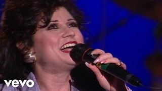 Candy Hemphill Christmas, Christ Church Choir - Jesus Built This Church On Love [Live]