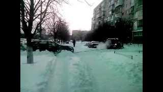 Одесса 30.12.2014 - Вильямса-попытки вытянуть джип с сугроба...