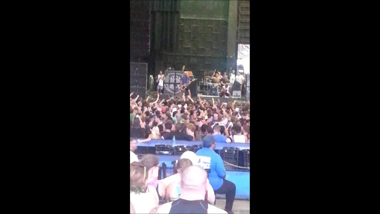 Parkway Drive HUGE CIRCLE PIT Warped Tour Atlanta - YouTube
