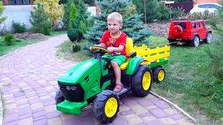 Funny Max ride on Tractor and help Mom broken down Towing Car