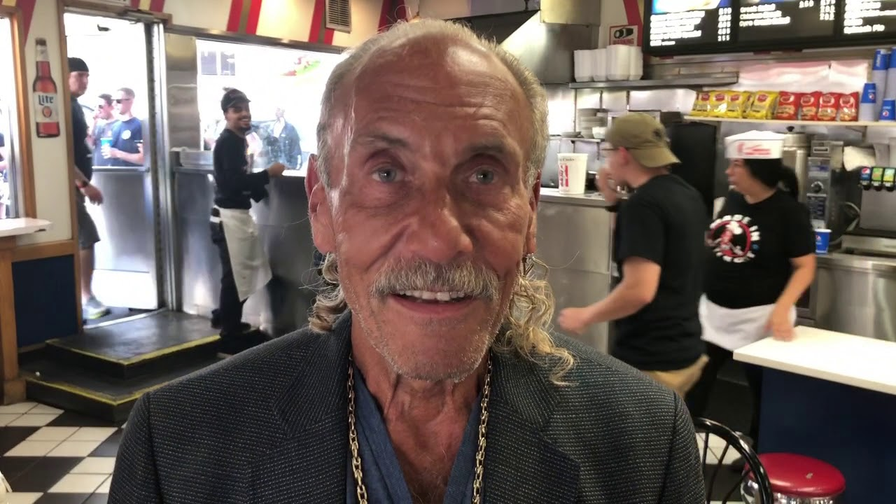 Les Gold Young