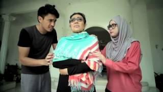 Video Isteri Separuh Masa - Episod 2 - Kenapa Nenek Merajuk? download MP3, 3GP, MP4, WEBM, AVI, FLV Juli 2018