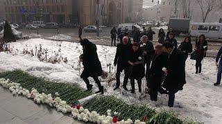 Քաղաքական ուժերը հարգեցին մարտի 1 ի զոհերի հիշատակը