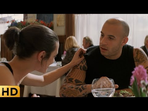 Елена узнает секрет Ксандера за обедом. Три Икса.