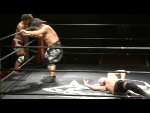 Sumerian Death Squad Vs. Amigo Suzuki & Bear Fukuda. 25/10/11 Secret Base, 1st rings venue Tokyo