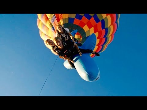 Download Youtube: HOT AIR BALLOON SKYDIVE ON A 12 FOOT WHALE!!!