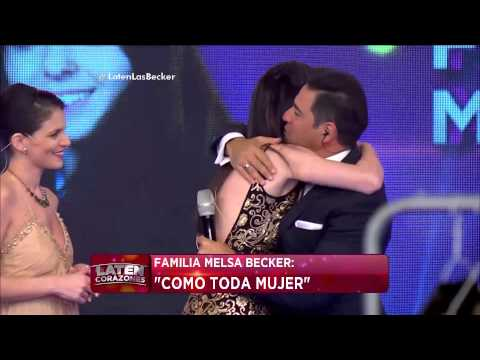 "La familia Melsa Becker canta ""Cómo toda mujer"" - Laten Corazones"