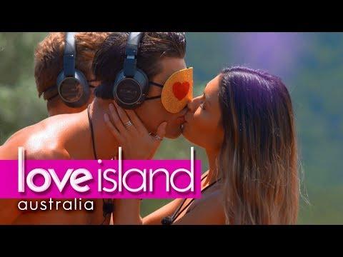 Villa Games: The Guys Rank The Girls' Pashing Technique | Love Island Australia 2018