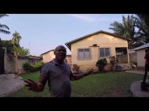 Visite maison communautaire - stage et tourisme solidaire au Togo - Citizen Trip