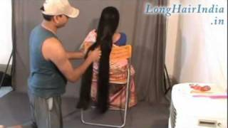 Repeat youtube video Elegantly Playing with Knee Length Silky Hair