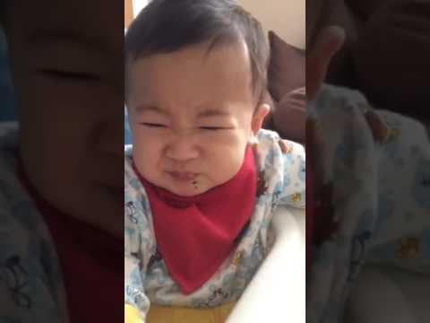 ミカン食べたら変な顔(笑)