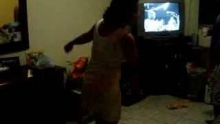 Empregada  oli Dançando!