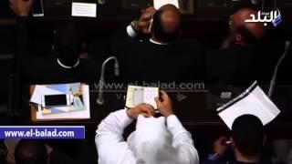 بالفيديو.. نائب عن حزب النور يرفع المصحف أثناء أداء اليمين الدستورية