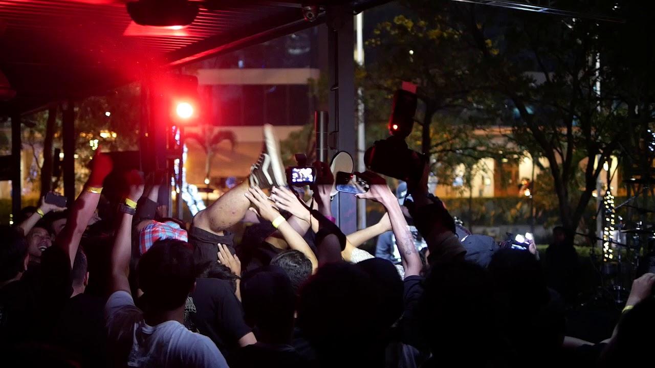 Seringai Membakar Jakarta Live At Beergarden Scbd Youtube