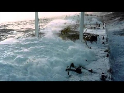 Typhoon Melor hits a ship in open ocean