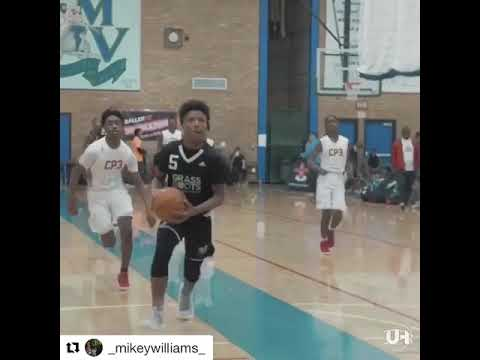 Mikey Williams put in work at the Adidas tournament. Portland OR, last week..
