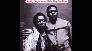 My Baby She Left Me (She Left Me A Mule To Ride) - Buddy Guy & Junior Wells Play The Blues HD