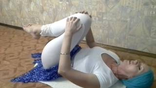 Короткий комплекс йоги - Как убрать живот, не вставая с кровати