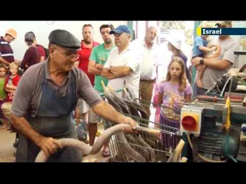 Ron Jacobsohn Visits A Shofar Factory