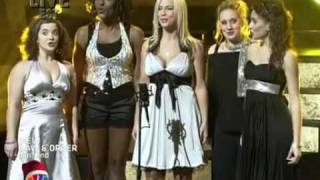 "Team Lachey performing ""Flight of the Bumblebee"" on Clash of the Choirs (2007)"
