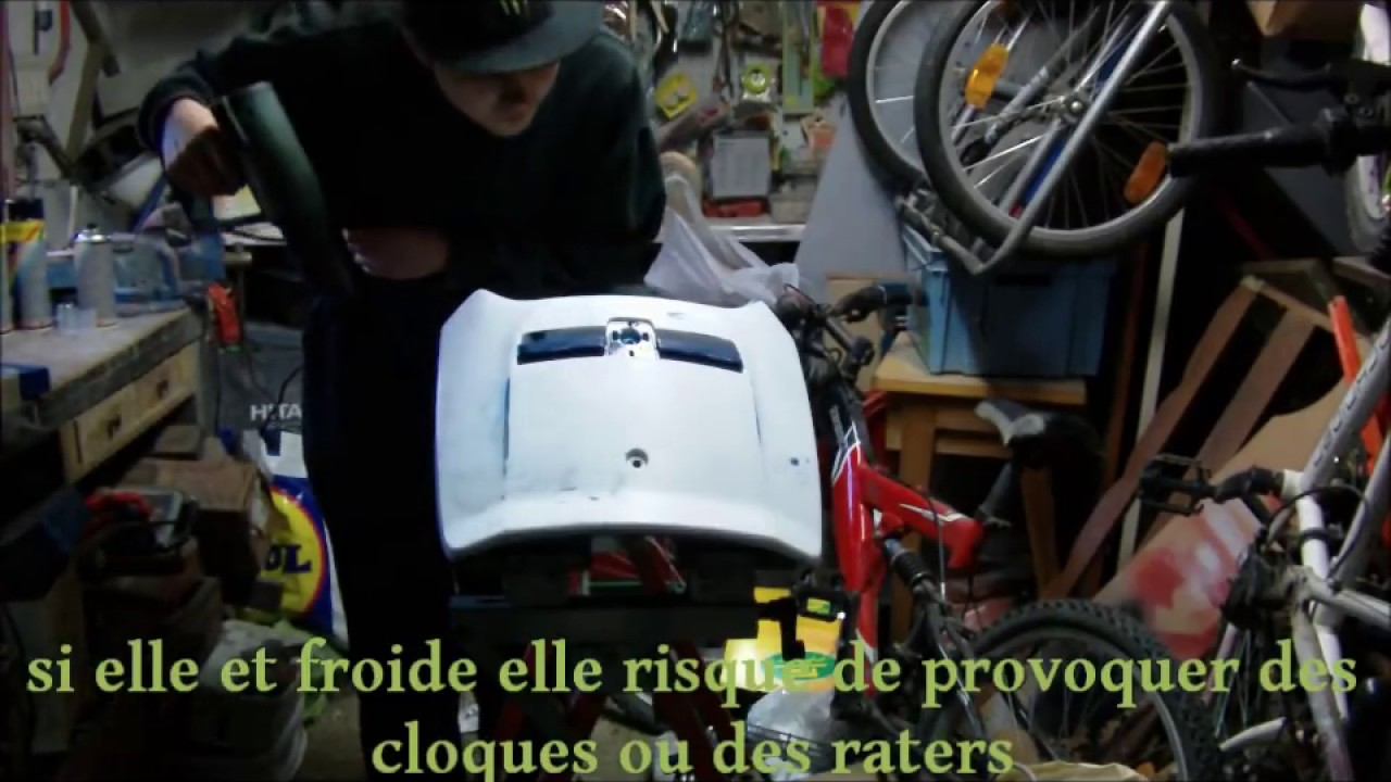 Comment peindre a la bombe de peinture youtube for Peindre a la bombe carenage moto