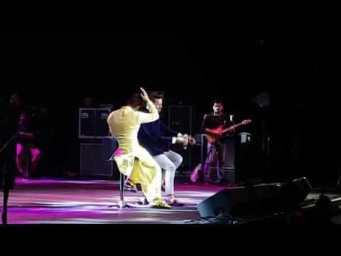 Atif Aslam and Sonu Nigam LIVE in San Francisco, 2016: Atif Aslam and Sonu Nigam Klose to You Concert, Oracle Arena, Oakland, 2016.  Tera hone laga hoon, Jeena Jeena, Tanhayee, Bijuriya and lots more.