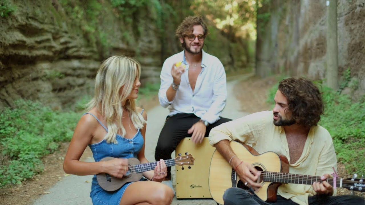 Dance Monkey - Tones and I // DAUDIA acoustic duet version (acoustic guitar, cajon, ukulele)