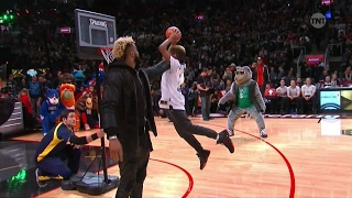 Gambar cover TINY PEOPLE DUNK CONTEST
