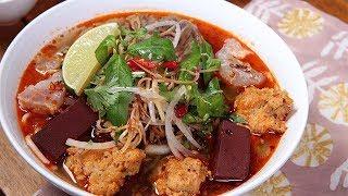 BUN BO HUE- SPICY VIETNAMESE BEEF NOODLE SOUP